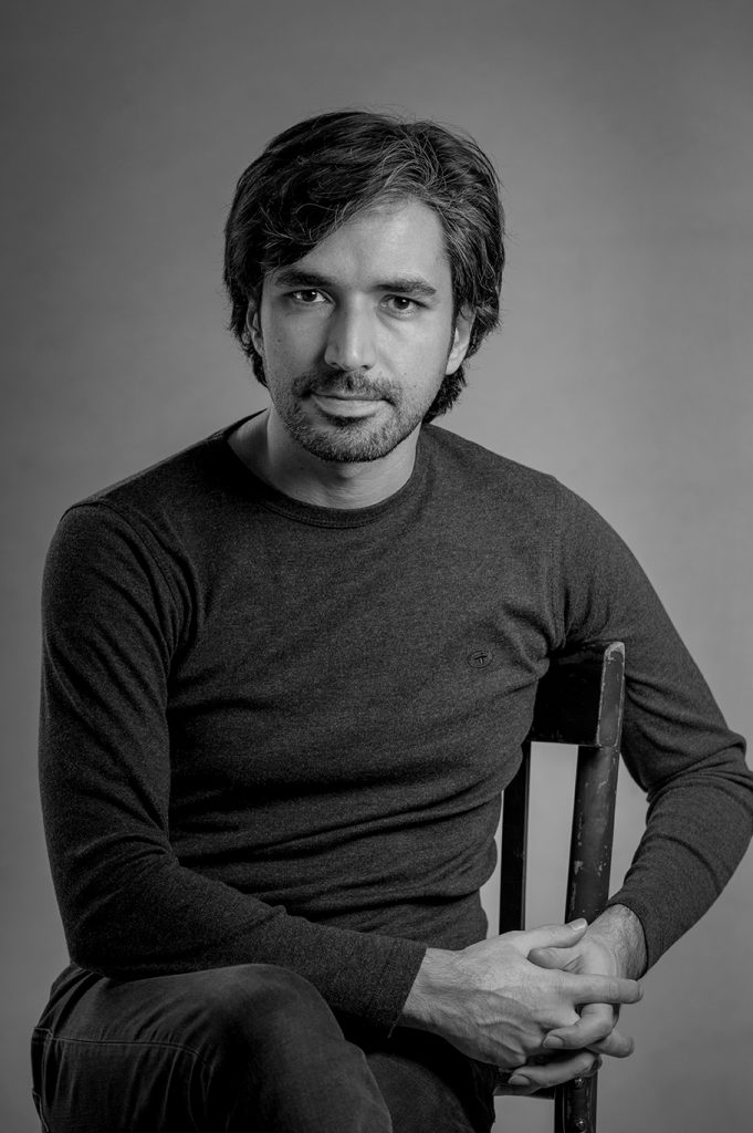 تصویر محسن بازیانفر - عکاس- کارگردان - خوشنویس